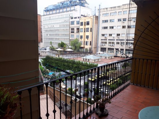 Plaza Catalunya Guest House: from room 3 and 4 or from balcony