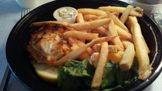 New Cumberland, PA: Next evening I ordered their crab cake dinner....very good crab cake!! Definitely order this!