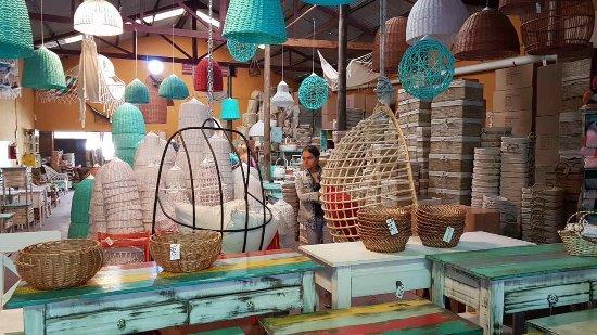 Fabrica de muebles de pino foto de puerto de frutos for Fabrica de sillones modernos en buenos aires
