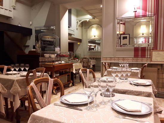 salle du restaurant picture of le vivarais lyon tripadvisor