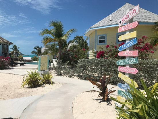 Paradise Bay Bahamas: Signs/View from the Main Office