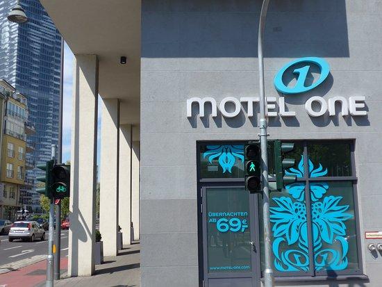 Motel One Koln Mediapark