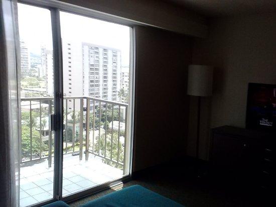DoubleTree by Hilton Alana - Waikiki Beach: Balcony from rom
