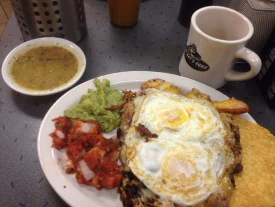 Brooklyn Park, MN: Huevos Rancheros with Carnitas!