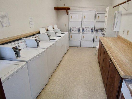 Tulare, CA: Laundry