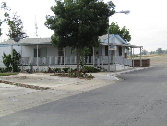 Tulare, CA: Office