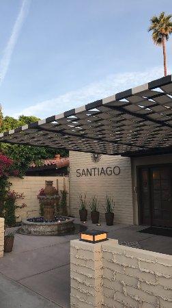 Santiago Resort: Street entrance to resort