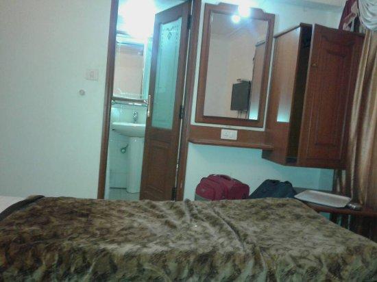 Hotel Aditi: IMG-20170430-WA0005_large.jpg