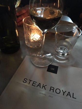 Steak Royal: Dinnertime!