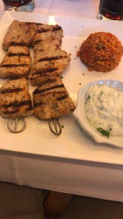 Ichenhausen, Germany: Ist der Grieche im Landkreis! Klasse Essen, sehr freundliches Personal und wunderschöne Lokalitä