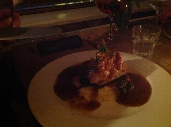 Tottenhill, UK : Smallest meal was Chicken and mash