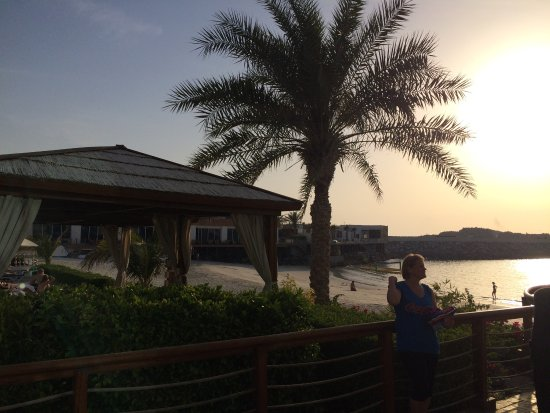 Dubai Marine Beach Resort and Spa: photo0.jpg