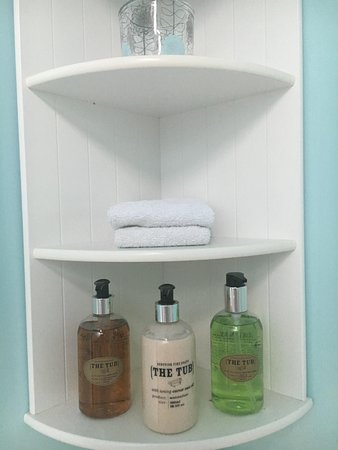 Low Gate, UK: Thoughtful touches - bathroom products