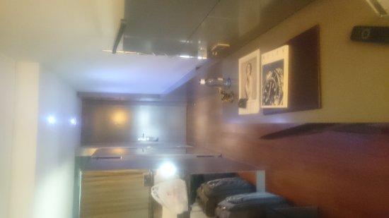 Hotel Reina Petronila: DSC_0007_large.jpg
