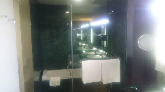Hotel Reina Petronila: DSC_0012_large.jpg