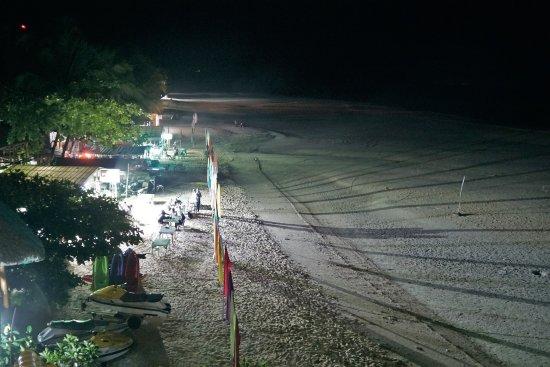 Bella Vista Mare: Strand bei Nacht und Ebbe