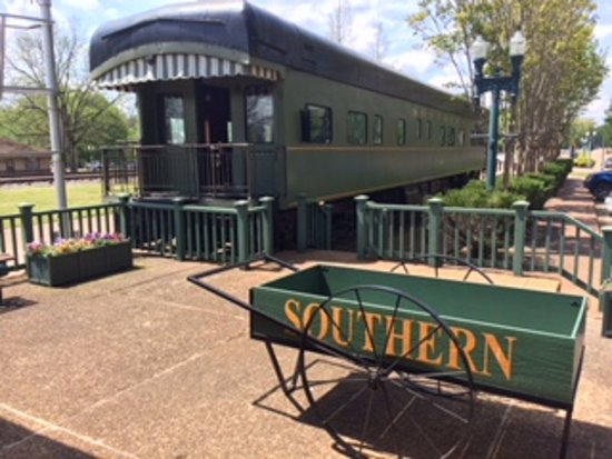 Collierville Tn Historic District Train Depot And First Cl Dining Car