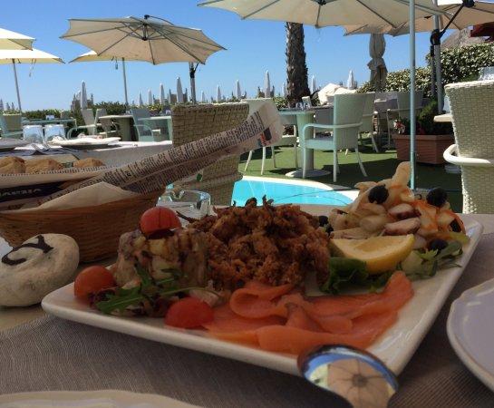 Tavoli all 39 aperto foto di ristorante salus lido di ostia tripadvisor - Ristorante con tavoli all aperto roma ...