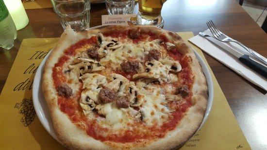 20170430 214540 picture of pizzeria la nonna papera santa maria degli angeli - Pizzeria la nonna ...