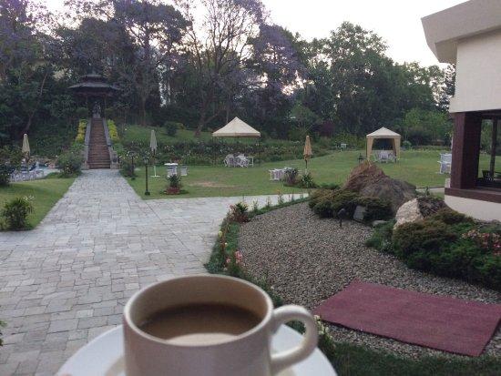 Hotel Yak & Yeti: Classic Gardens!