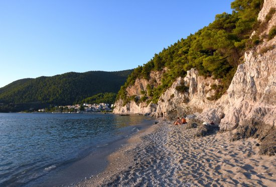 Neo Klima, Greece: The village seen from Hovolo beach