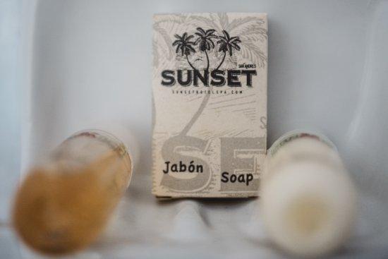 Sunset Hotel: Amenities