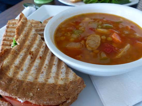 Green Elephant Cafe: Greek pizza panini and lentil & sausage soup