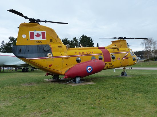 Kingston, Kanada: Aircraft outside the museum