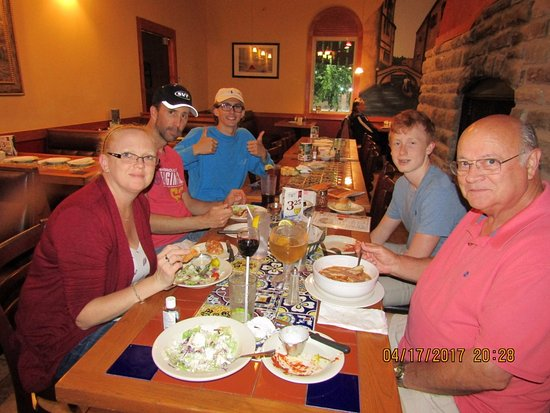Azle, TX : Family dinner at Capriccio's (Diane, Tim, Nathan, Matthew, Tom and Granny the picture taker)