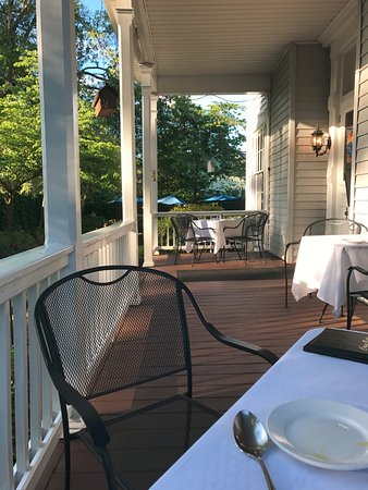 Aiken, SC: Eat on the porch if it's not too hot.