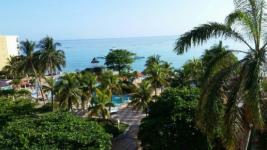 Jewel Dunn's River Beach Resort & Spa, Ocho Rios,Curio Collection by Hilton: View from our room Ocean view Saphirre