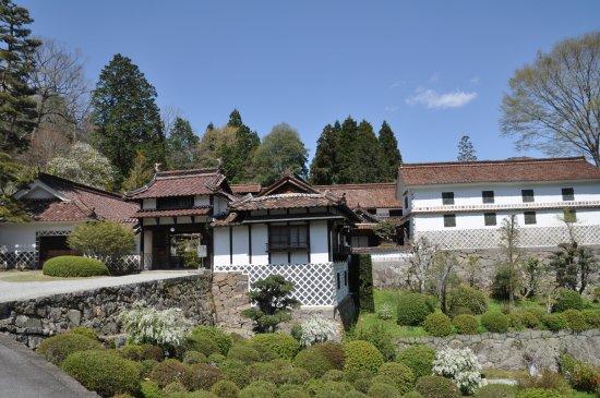 Nishie Residence: ベンガラで巨万の富を築いた西江邸