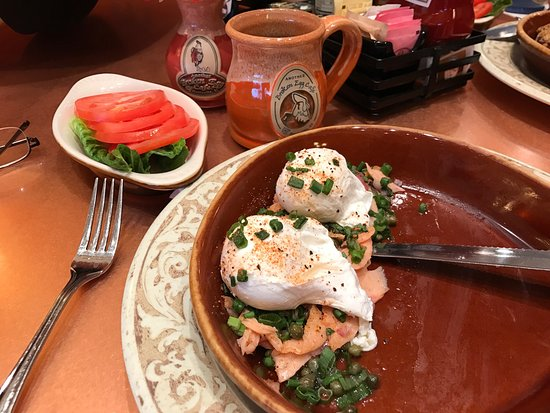 Another Broken Egg Cafe: A great spot for breakfast