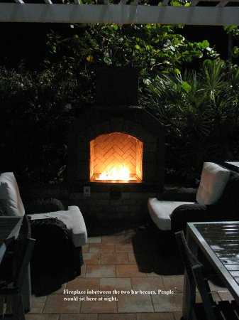 Westgate South Beach Oceanfront Resort: Propane fireplace which was a nice spot to sit in the evenings