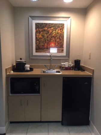 Hampton Inn Suites Valdosta Conference Center: photo1.jpg
