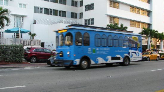 Miami Trolley Free Blue Into South Beach