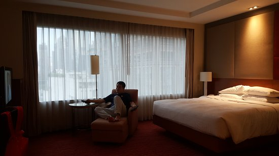 Courtyard by Marriott Bangkok: 20170428_181623_large.jpg