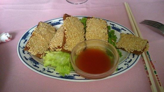 Bures-sur-Yvette, Prancis: toasts aux crevettes