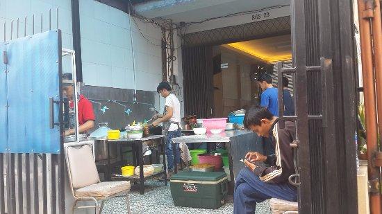 Eksterior Foto Rumah Makan Irtim Makassar Jakarta Tripadvisor