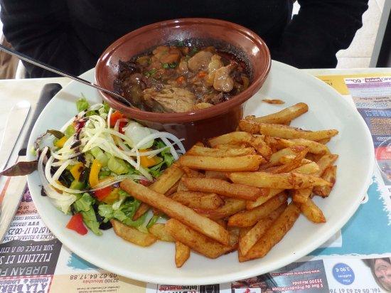 Trie-sur-Baise, Francja: riz de veau de qualité