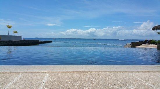 Abaca Boutique Resort: Infinity pool.