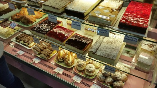 St. Jacobs, Canada: Cheesecakes and some french pastry