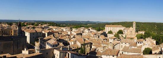 Uzes, France: Une des vues panoramique du haut de la tour du Roi