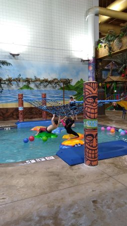 Edgewater Hotel Waterpark Img 20170424 184015822 Large Jpg