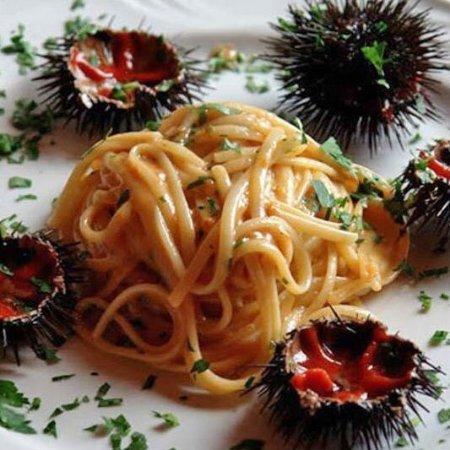 La piazzetta fish bar taranto restaurant reviews phone for Louisiana fish bar