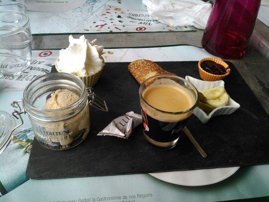 Giffaumont-Champaubert, Francja: café gourmand
