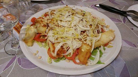 San Feliciano, Italia: insalata di persico