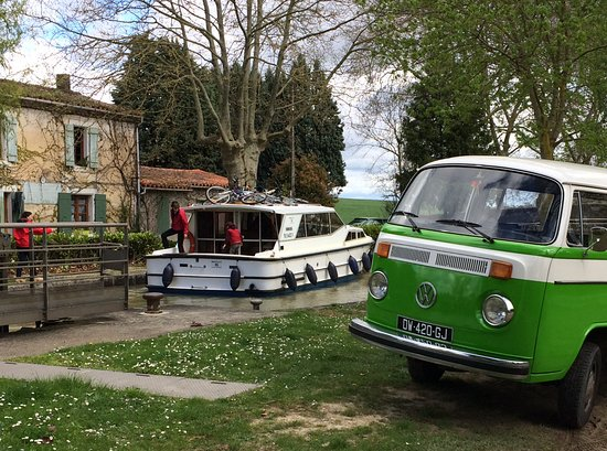 Castelnaudary, Γαλλία: Combi tour à la réception de plaisanciers du canal du midi
