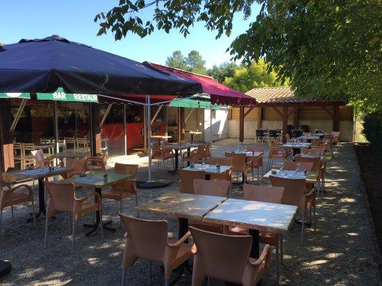 Bernos-Beaulac, France : terrasse