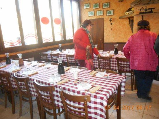 Caverne des Brigands: disposition des tables